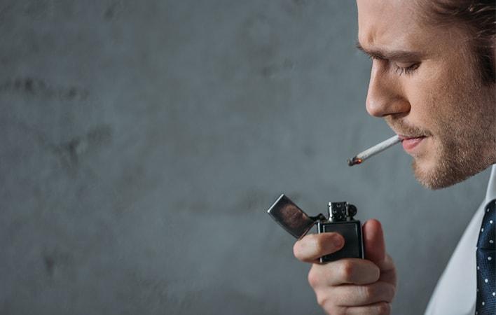 Implantes dentales y tabaco